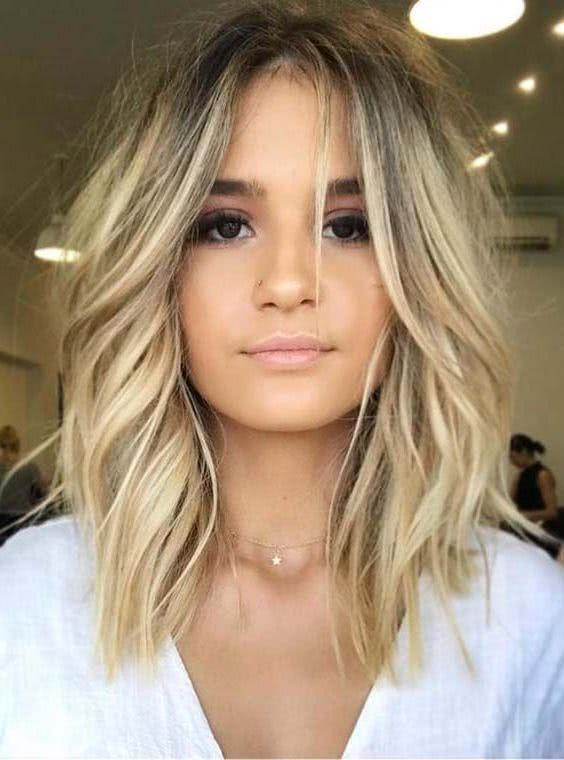 Cortes de cabello largo moderno para mujeres