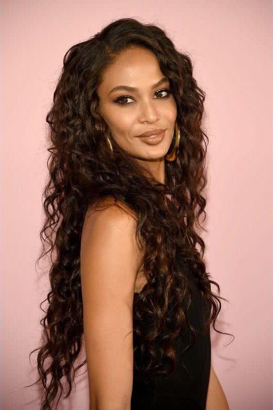 Cortes de pelo largo ondulado para mujeres